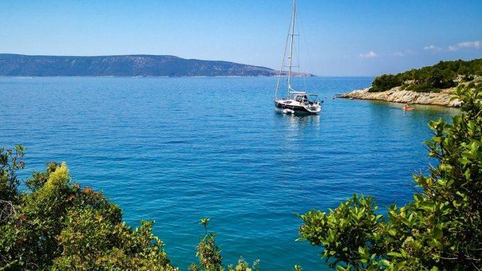Cres se nalazi sjeverozapadno od Istre